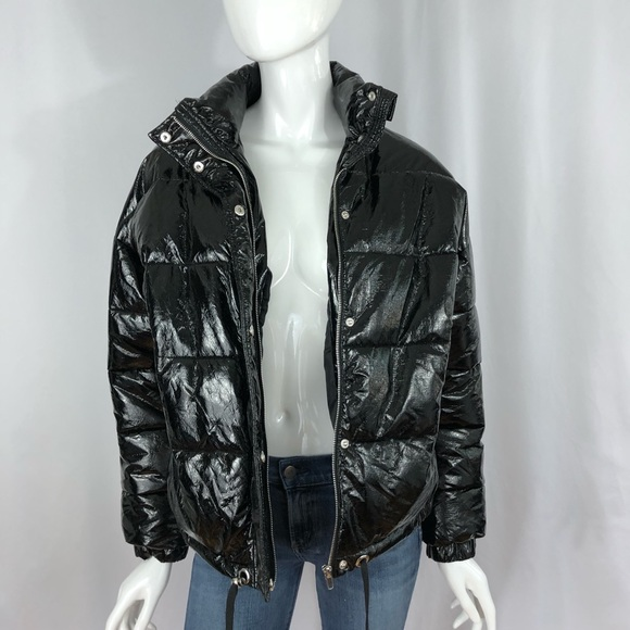 f7af12aef110 Zara Woman Black Shiny Puffer Coat. M 5b75e5c90e3b86b28e2a71cd